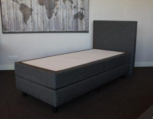 Boxspring + Gestoffeerde matras + Hoofdbord