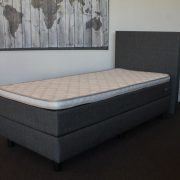 Boxspring bed met topper